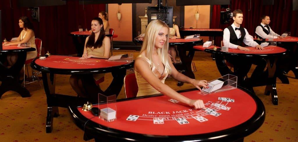 In een Live Casino kan je Blackjack spelen